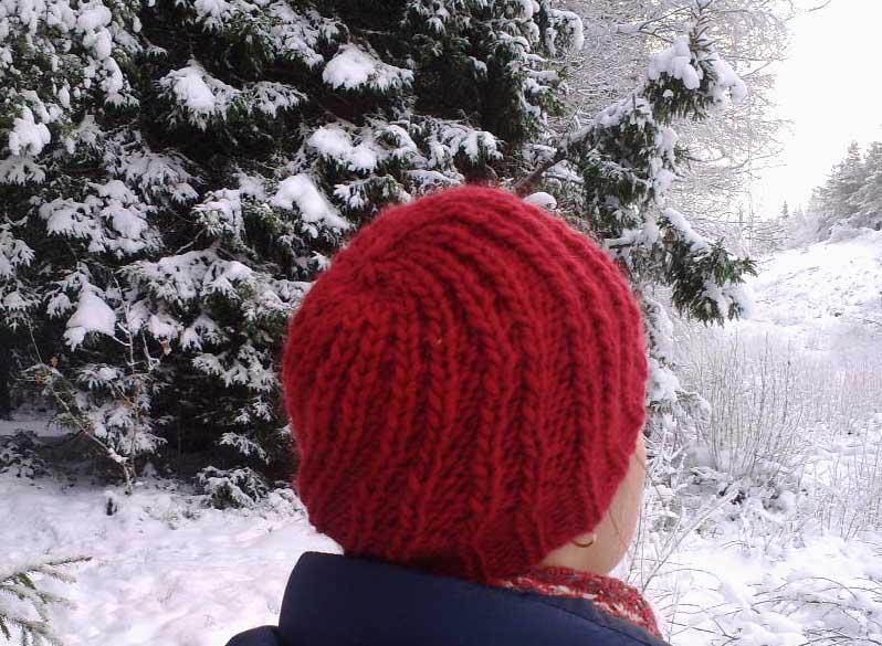 czapka Pinecone czerwona