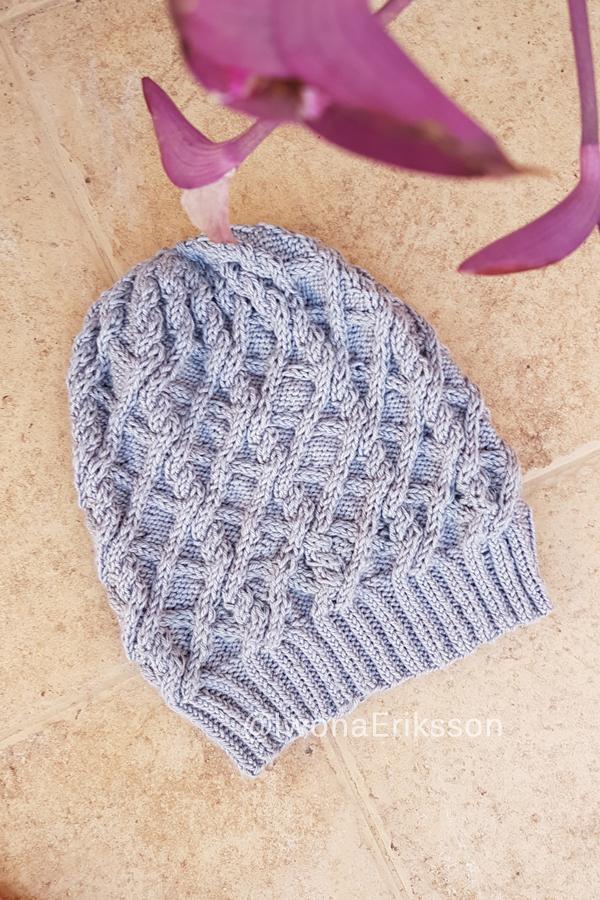 czapka warkoczowa hodly