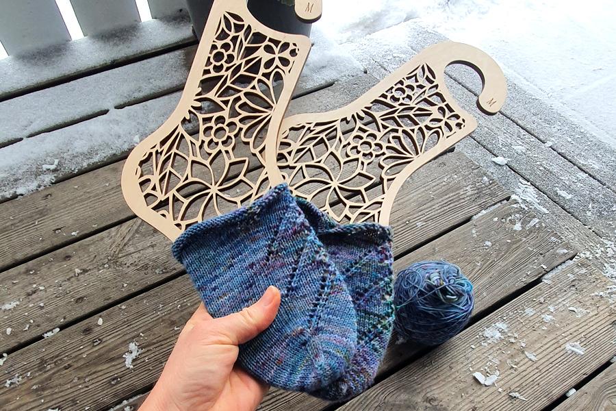 Skarpety na drutach od palców